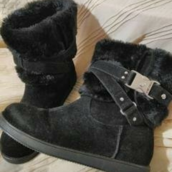 10a9a6982e3 G by Guess Shoes - SALE💜Black Addalyn Faux Fur Boots in Women